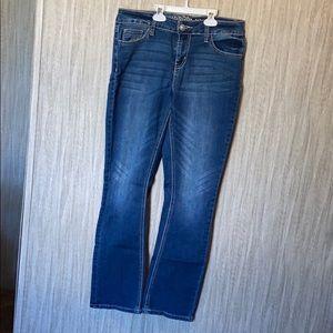 Medium wash bootcut jeans
